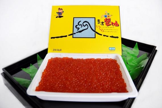 北海道 知床 羅臼産「ます醤油いくら 500g(化粧箱入り)」 プチプチとした食感で濃厚醤油ダレがとろりとした味わい!
