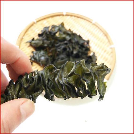 芽かぶっ子(わかめの根株乾燥食品)