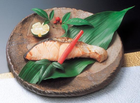 紅鮭と鰆の味噌漬[各3切れ]〜お中元、お歳暮などの贈答にも 【お中元2020】   【漬魚・魚加工品】